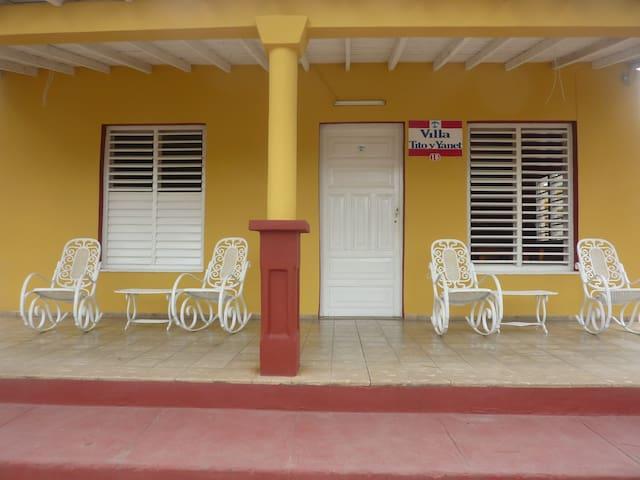 Visite Villa Tito y Yanet - Viñales - Flat