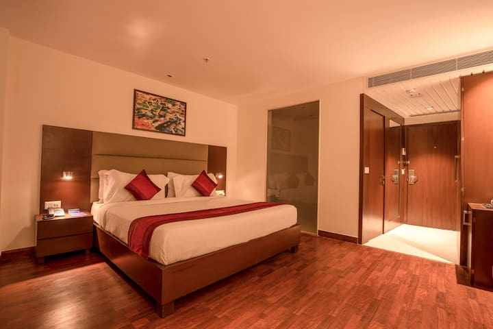 Deluxe Room in Noida Sector 1
