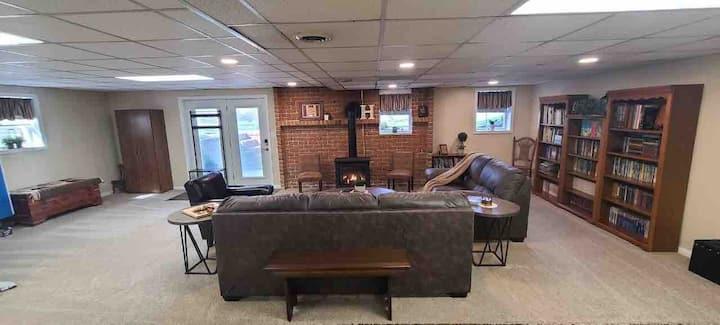 Spacious basement guest suite, private entrance