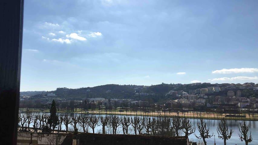 Vista Mondego Centro histórico Coimbra Apart T1 +1