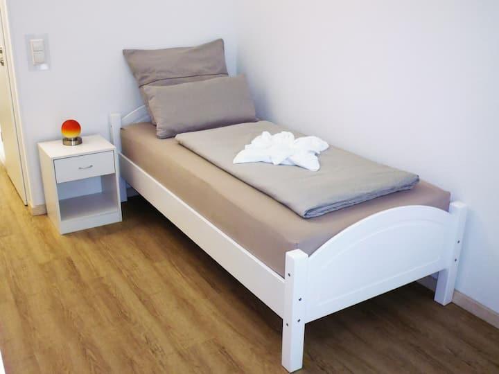 Untereisesheim - Favorit Zimmer A 1