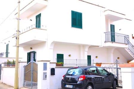 Bel monolocale al centro di Leuca - Santa Maria di Leuca - Lejlighed