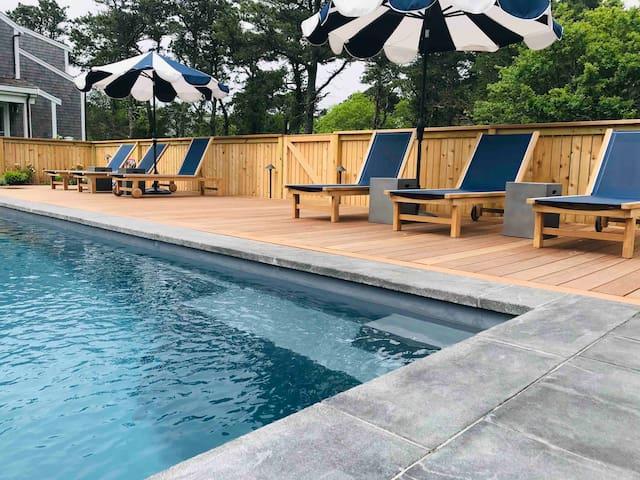 Nantucket vacation pad near Cisco Brewers-Pool/Spa