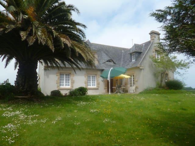 MAISON DES HORTENSIAS - Saint-Pol-de-Léon - 別荘