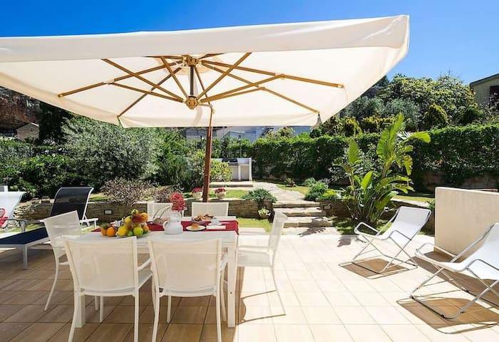 Villa Greta - Vacanze sul Mare a Cornino, Sicilia