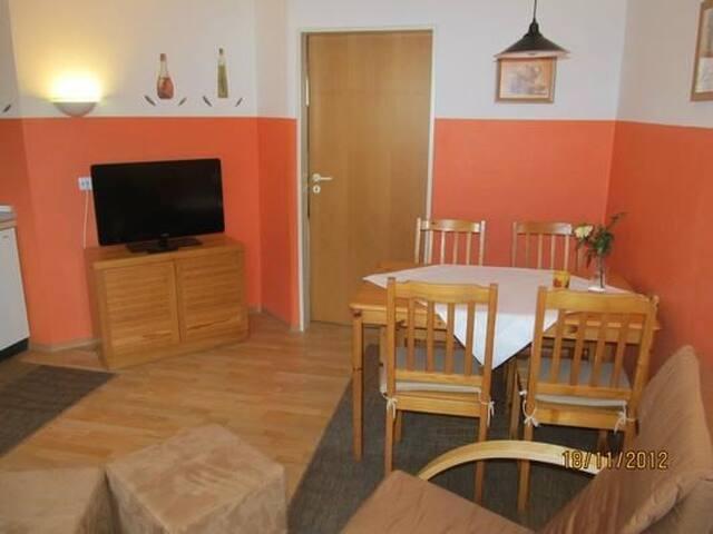 Ferienhäuser Schlossberg (Zandt), Appartement für 1-3 Personen mit Balkon