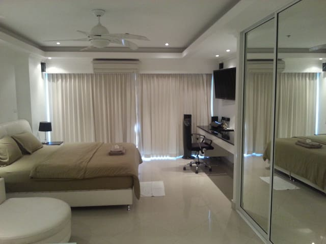 Luxury Beach Studio-CentralPattay18 - Bang Lamung - Appartement