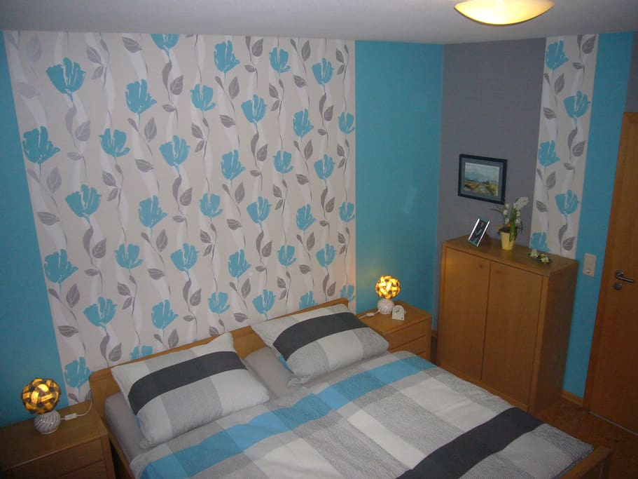 Schlafzimmer ---- sleeping room