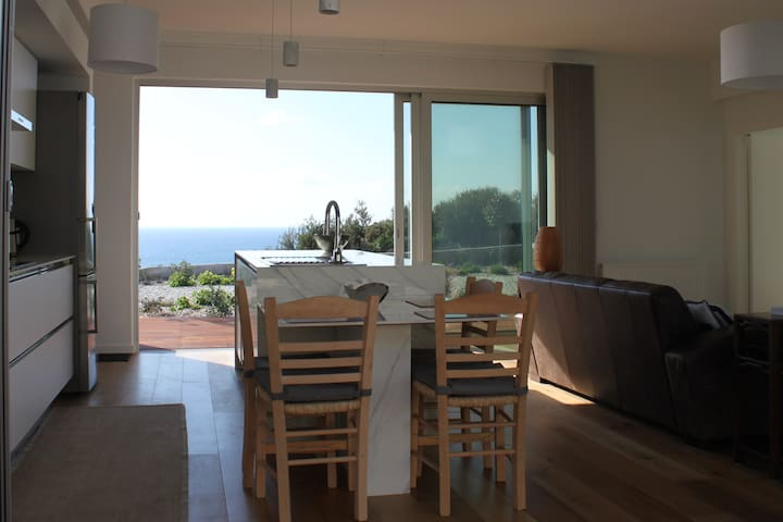 Luxury Sea View Villa Paradisos, Paphos