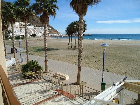 apartamento en la playa de San José-jc. wifi