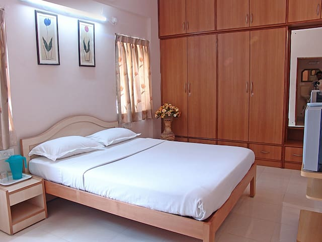Private Room in the City Centre - Bengaluru - Bed & Breakfast