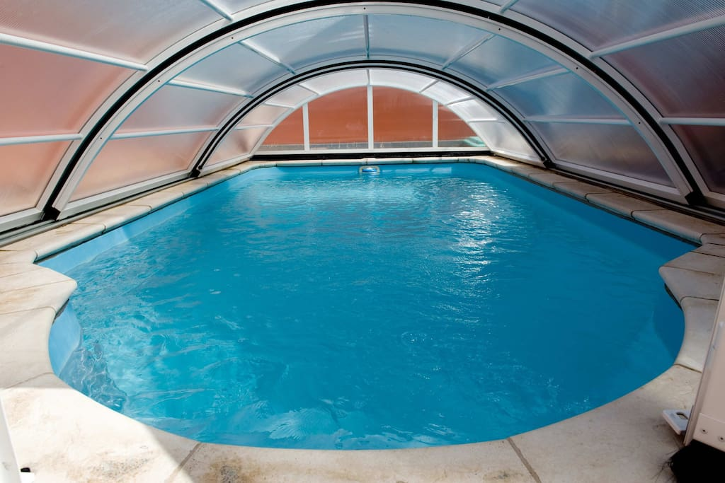 SWIMMINGPOOL WITH  POLICARBONATO TELESCOPIC COVER AND POOL HEATER
