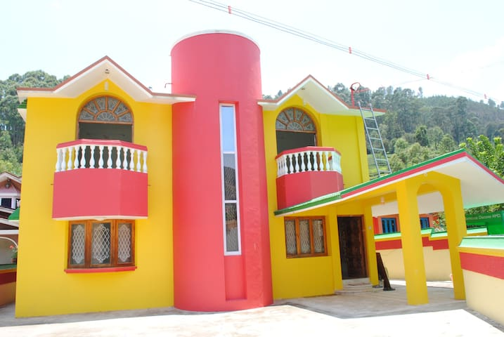 Home Stay with 6 bedrooms in Ooty