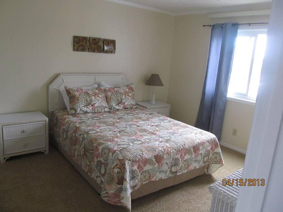 master bedroom. full bath is to left .