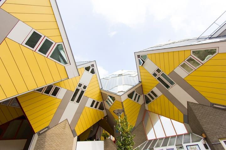Cubehouse in central Rotterdam - Rotterdam - House