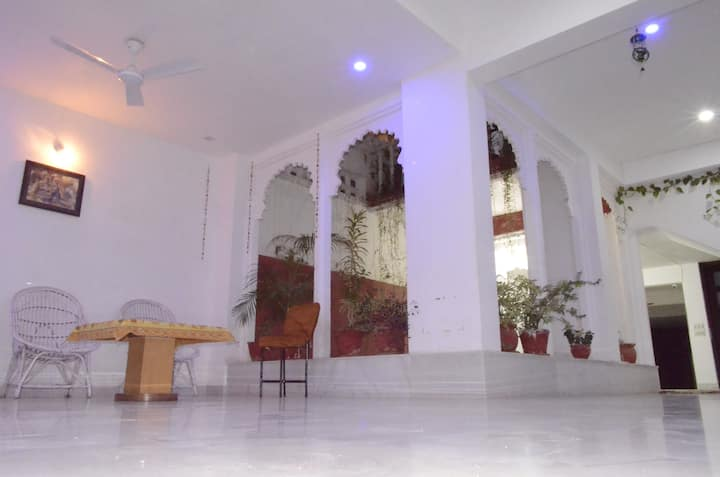 Comfortable Home Stay in Udaipur