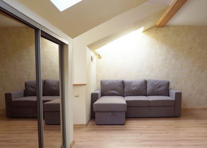 Cozy studio apartment. Terbatas 6/8