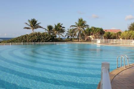 Studio Coco RDC - Mer et piscine en Guadeloupe