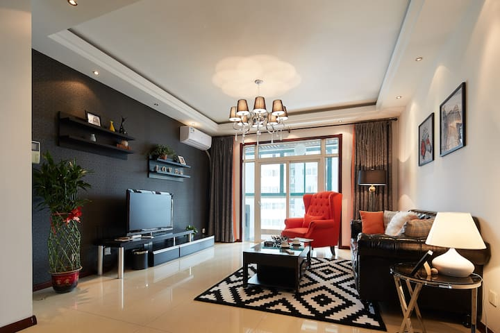 【享 生活】大雁塔 历史博物馆旁History Museum 阳光 两室公寓 - Xian Shi - Lejlighed