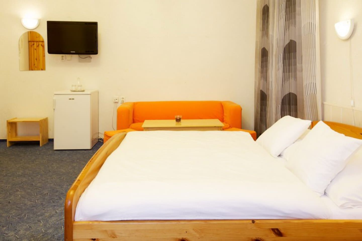 Cozy room in penzion Liberec for 3