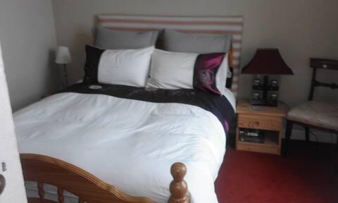 Cosy Room in Bagenalstown