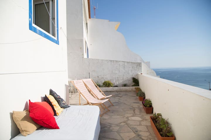 Seafront house with a terrace in historical centre - Ericeira - Rumah