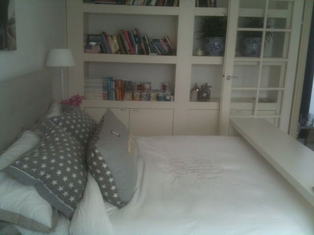 bright room + private roof terrace - Amsterdam - Bed & Breakfast
