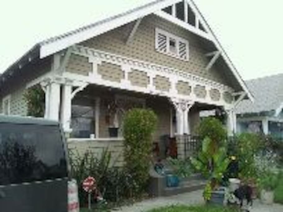 Room for rent in owner 39 s house houses for rent in los for Rental home los angeles