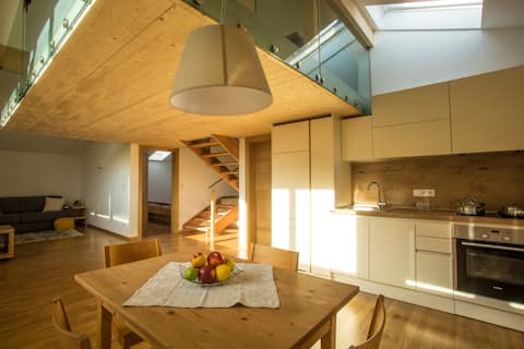 Individuelle, neue Wohnung für 2-5 Personen