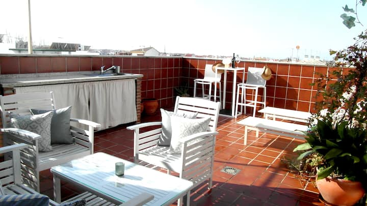 TURISTIC LICENCE, PRIVATE TERRACE & PARKING, BBQ..