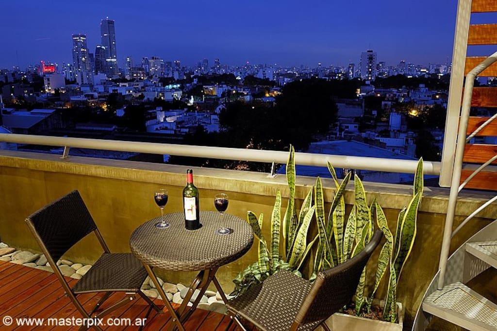 PENTHOUSE/Terrace & pool/City views