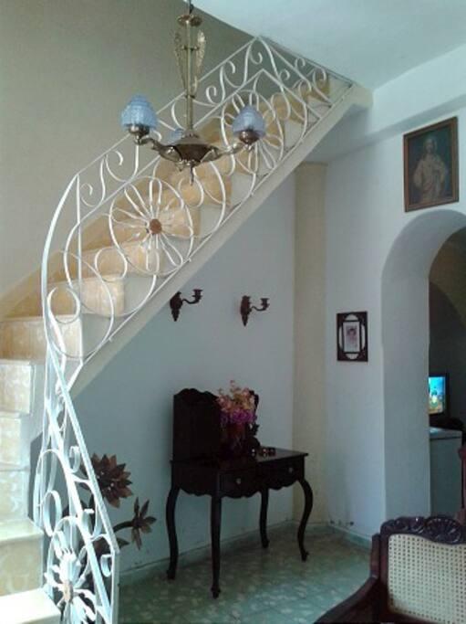 Escalera hacia la planta superior