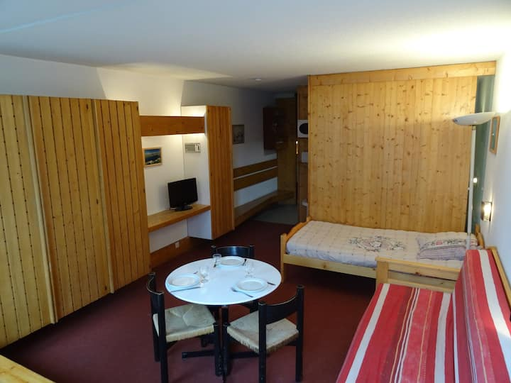 Large studio for 3 persons next to the slopes and close to shops