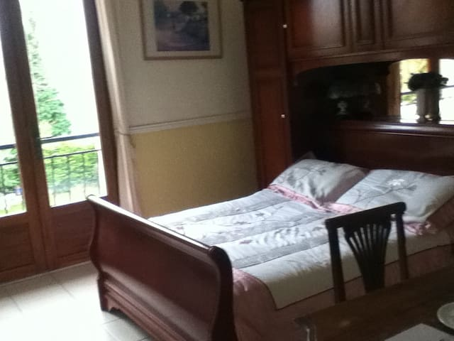 CHAMBRE  ROSE - Saint-Jean-de-Thurac - Bed & Breakfast