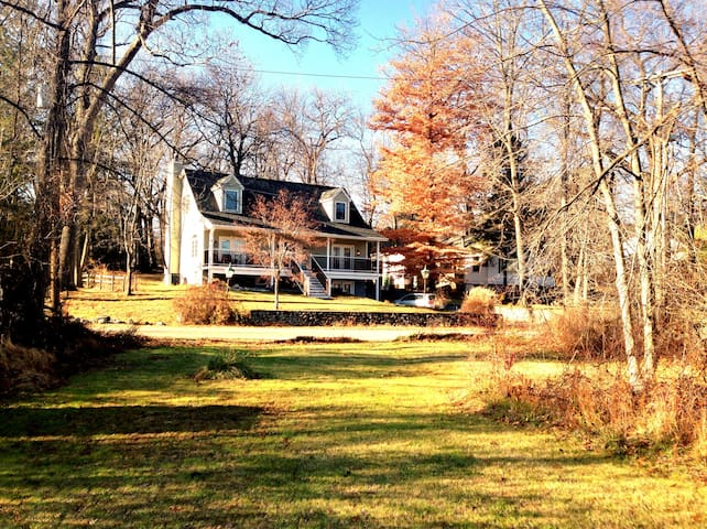 Wonderful house in Hudson Valley Avail Week May 27 - Mohegan Lake - Rumah