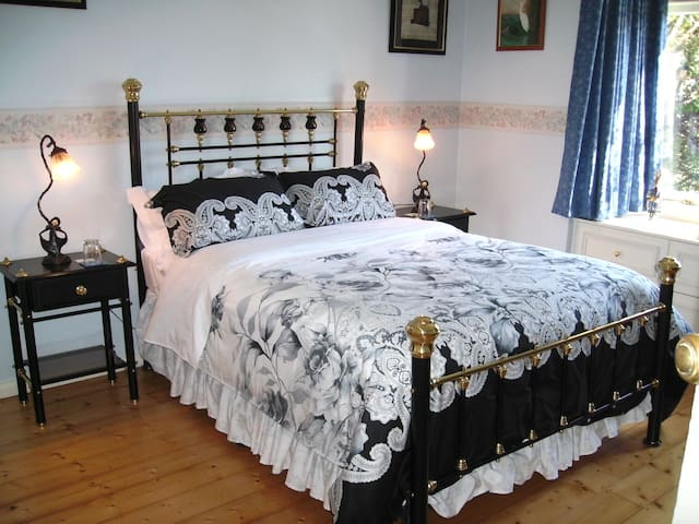 Private, Cosy & Quiet - Wentworth Falls - Bed & Breakfast