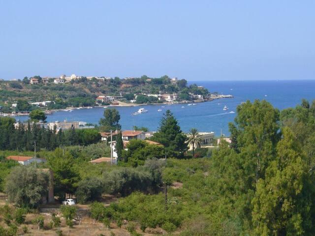 Villa with a superb sea view