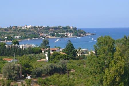 Villa with a superb sea view - Villa