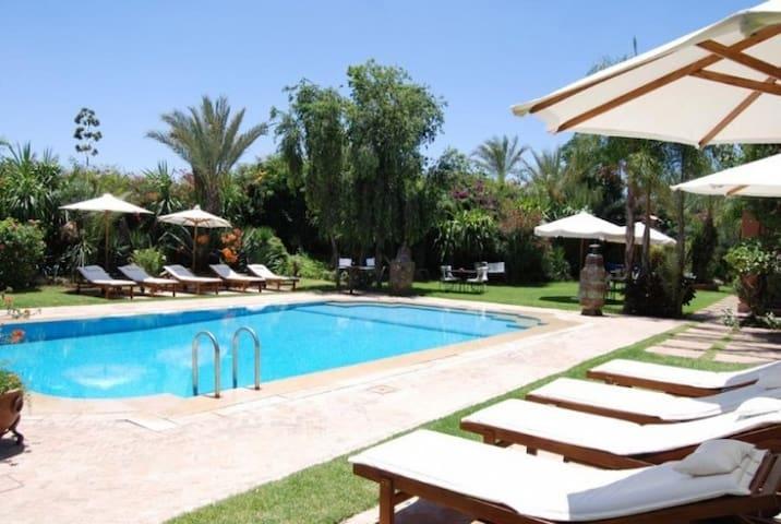 Villa Dar Zina up to 16 guests !