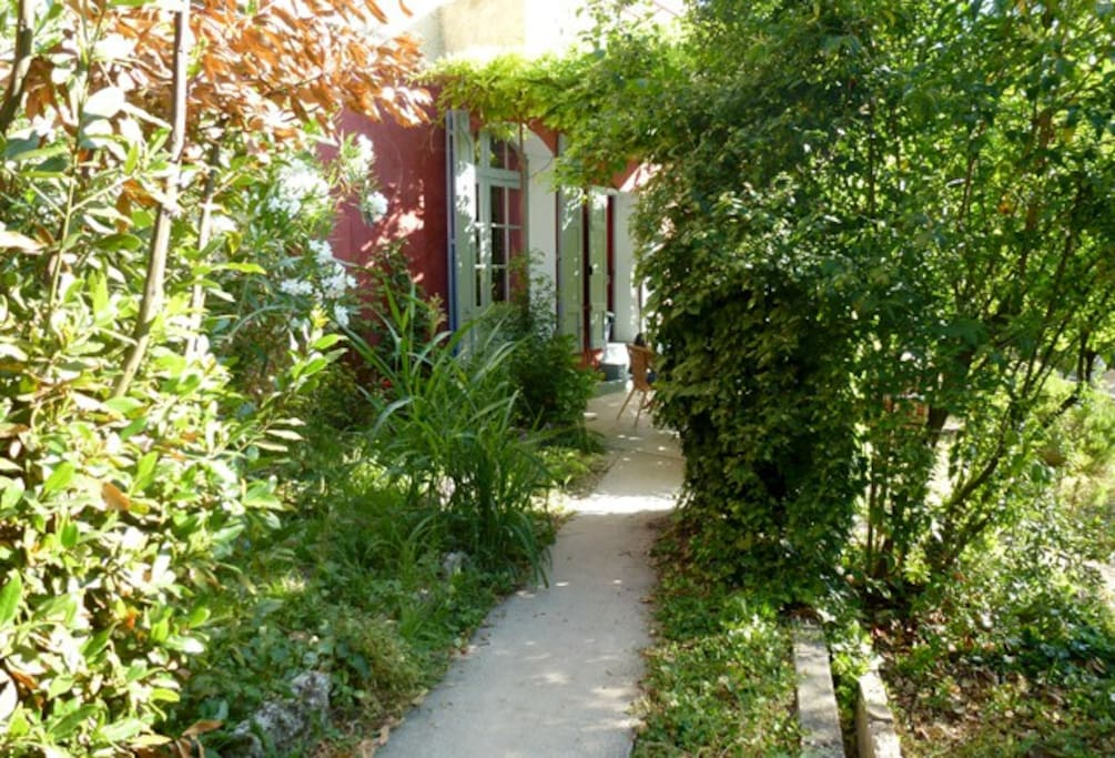 le jardin barjo la suite chambres d 39 h tes louer barjols provence alpes c te d 39 azur france. Black Bedroom Furniture Sets. Home Design Ideas
