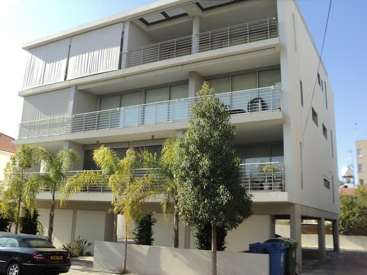 Modern new 2-bedroom apartment