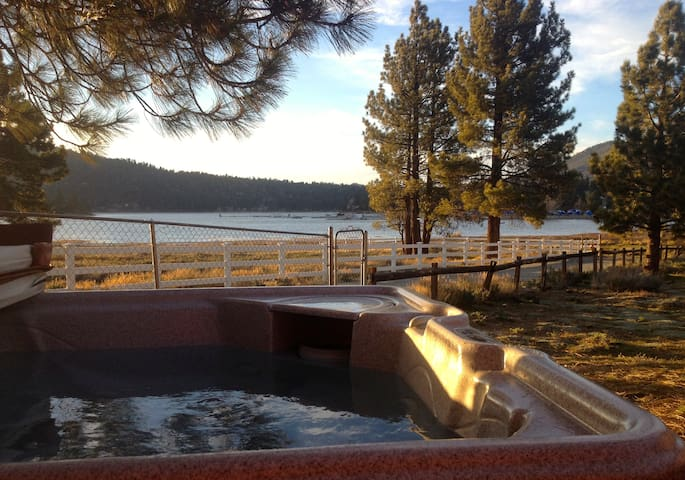 Panolakeview mins2shops slopes secluded private for Cabins for rent in big bear lake ca