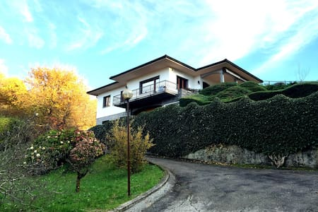 Beautiful italian-stile Villa  - Azzio - Casa de camp