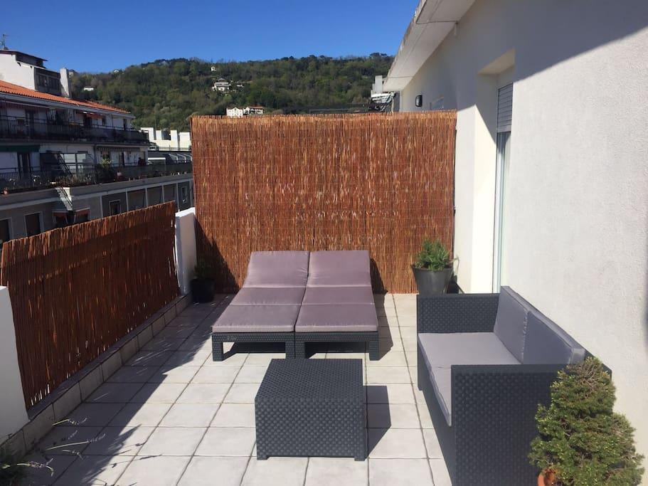 Estudio con terraza a un paso de la playa ess00055 apartamentos en alquiler en san sebasti n - Cerramiento terraza sin licencia ...