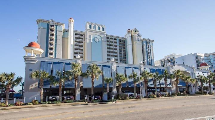 Oceanview 5 Star Suite! Multi-Award Resort!
