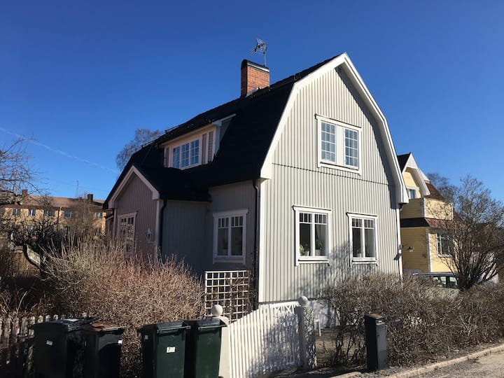 Villa 10 minutes from central Stockholm