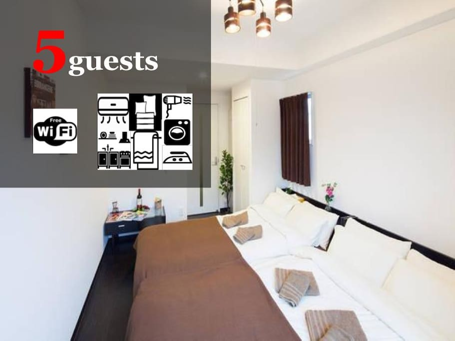The flat accommodates up to 5 guests