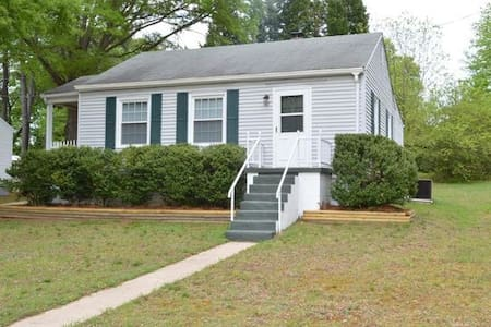 2 BR Cottage-contract workers & long term welcome