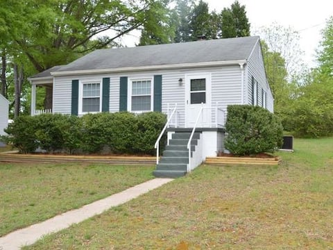 2 BR Cottage-contract workers welcome NURSES call.