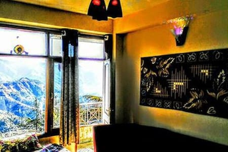 HOME AWAY FROM HOME IN EXQUISITE SHIMLA - Shimla